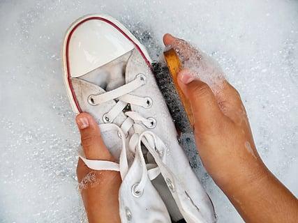 靴 洗う 洗剤